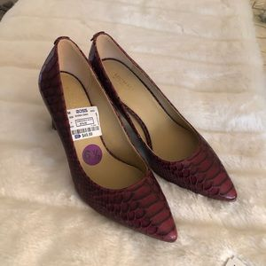 Kors pumps burgundy maroon 6.5 new w out box